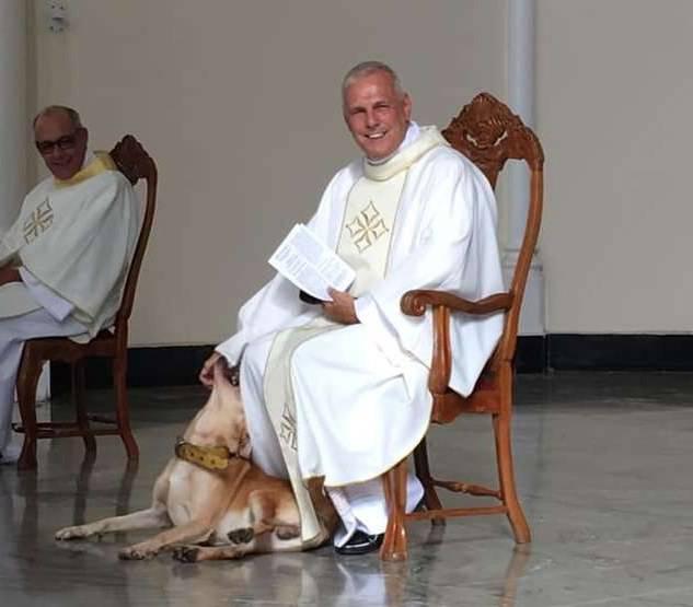 cane chiesa