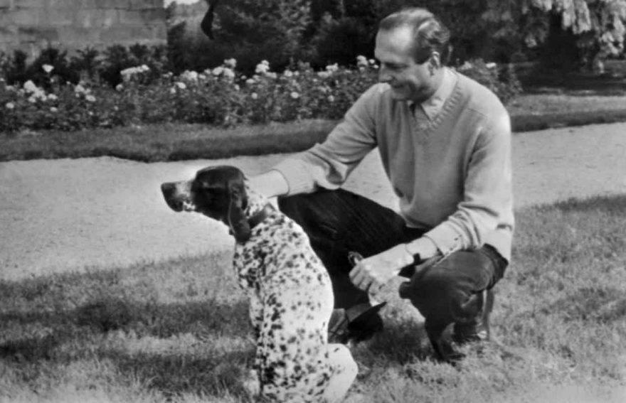 Jacques Chirac cane infranto protocollo Eliseo