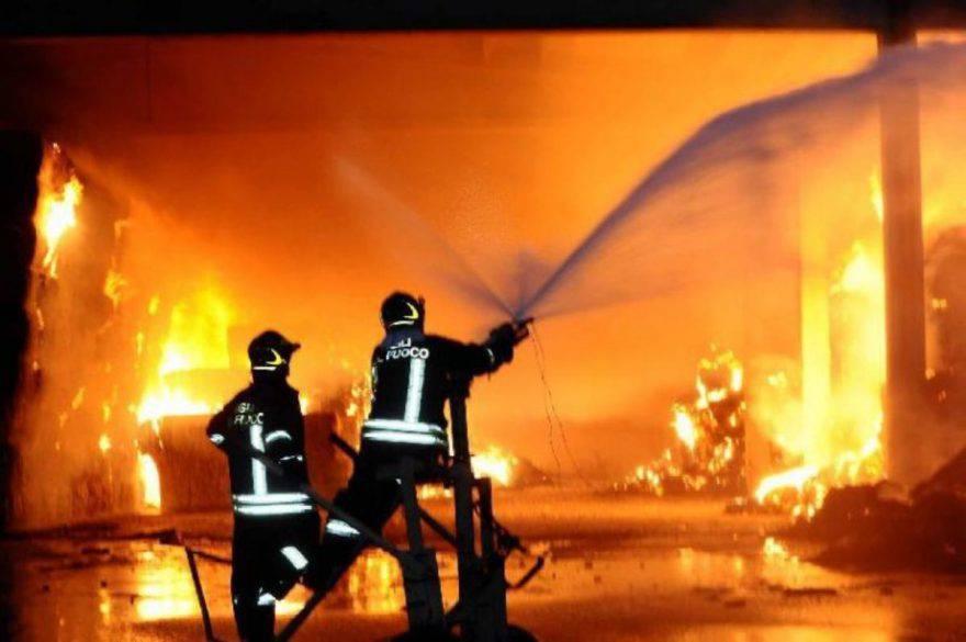 incendio stalla animali