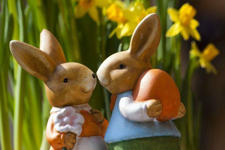 statue di conigli