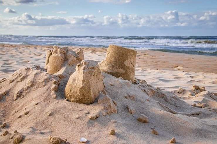spiagge spagnole disinfettate dalla candeggina