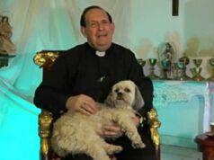 Il prete e il cane (Foto video)