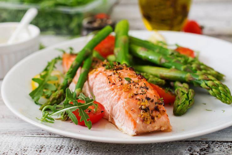 pesce e asparagi