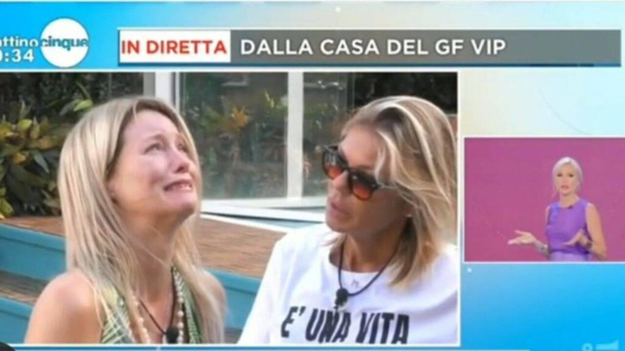 Flavia Vento al Grande Fratello disperata per i cani :