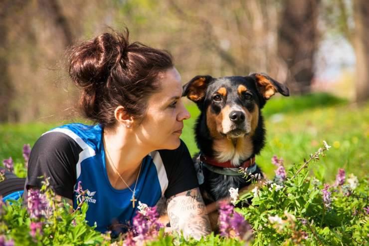 cane con persona