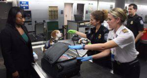 Cane antidroga in aeroporto