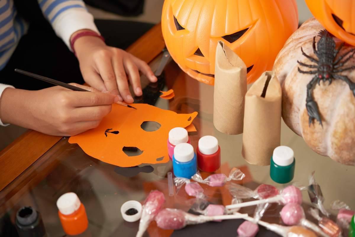 Lavoretto di Halloween per bambini: cosa serve per creare ...