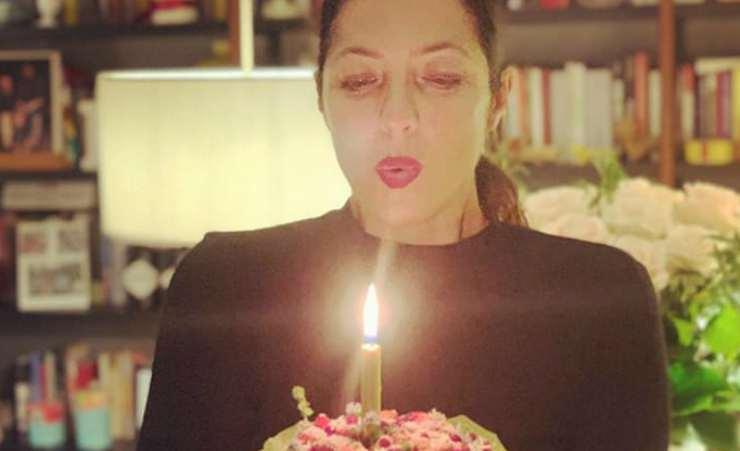 Stefania e la torta di compleanno (Foto Instagram)