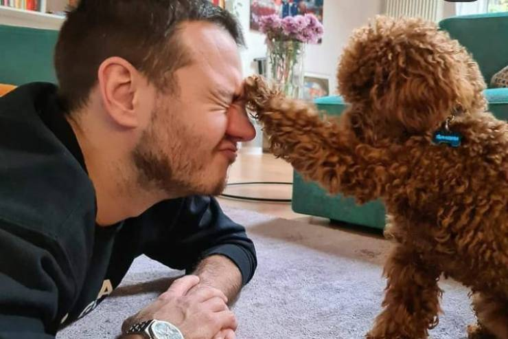 Alessandro e il cagnolino (Foto instagram)