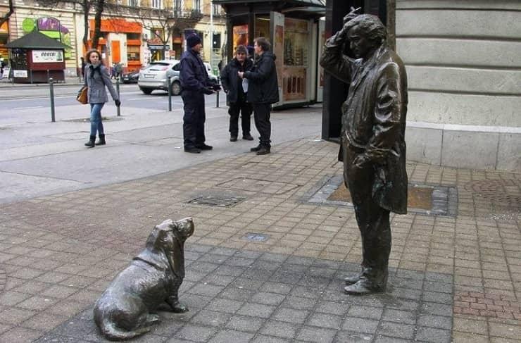 tenente colombo cane statua