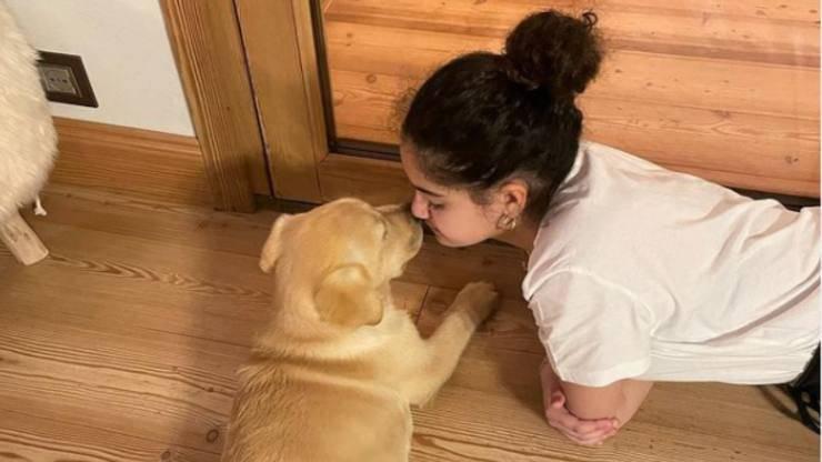 Maelle e il cane (Foto Instagram)