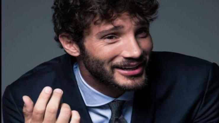 Stefano De Martino sorridente (Foto Instagram)
