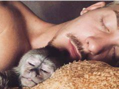 Dean e la scimmietta (Foto Instagram)