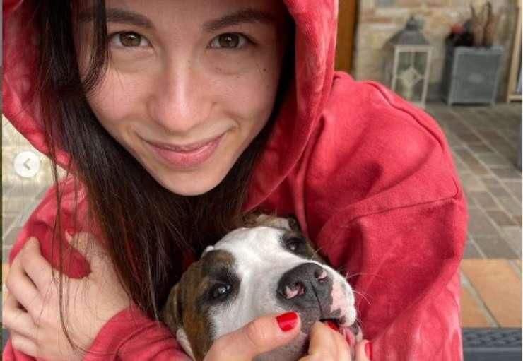 Aurora e il cane (Foto Instagram)