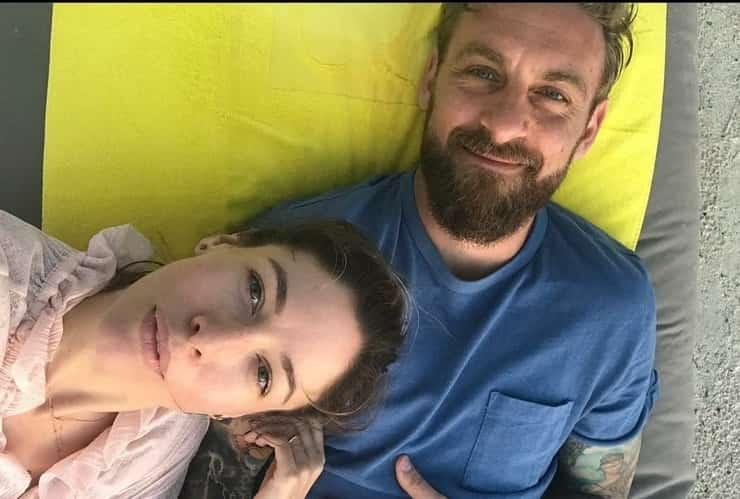 Daniele De Rossi e sua moglie Sarah Felberbaum presentano sui social la nuova arrivata in famiglia : il suo nome è Arya (Foto Instagram)