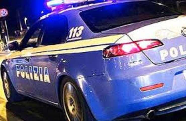 auto polizia Facebook