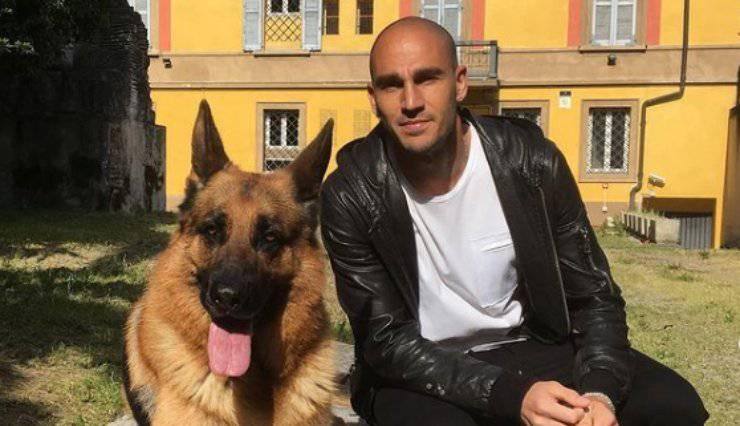 Cannavaro e il cane (Foto Instagram)