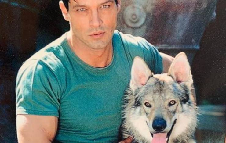 Gabriel e il cane Aragon (Foto Instagram)