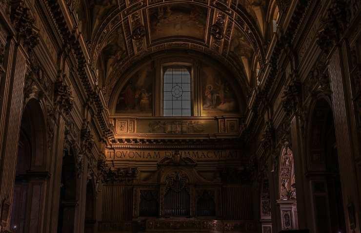 Interno di una Chiesa (Foto Pixabay)