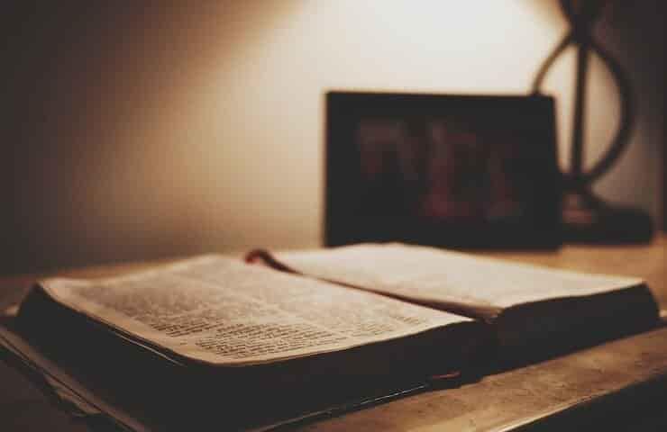 Testo religioso (Pixabay)