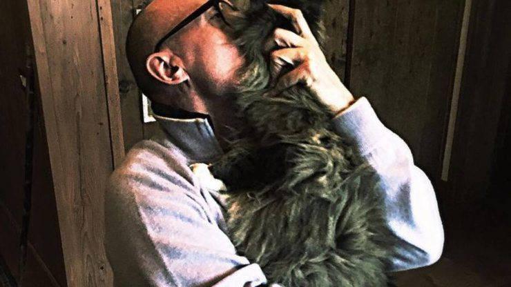Alfonso Signorini e il suo gatto Teo