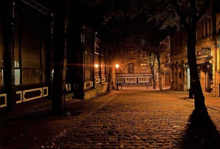 Strada di notte (Pixabay)