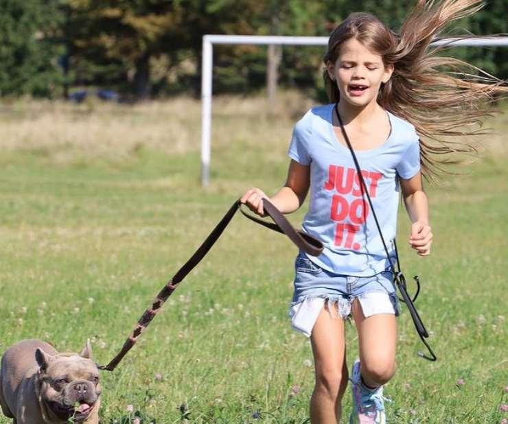 La figlia di Mauro Icardi e il suo cane