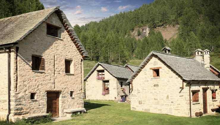 Casale in campagna (Foto Pixabay)